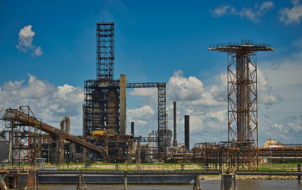 oil pipeline and refinary