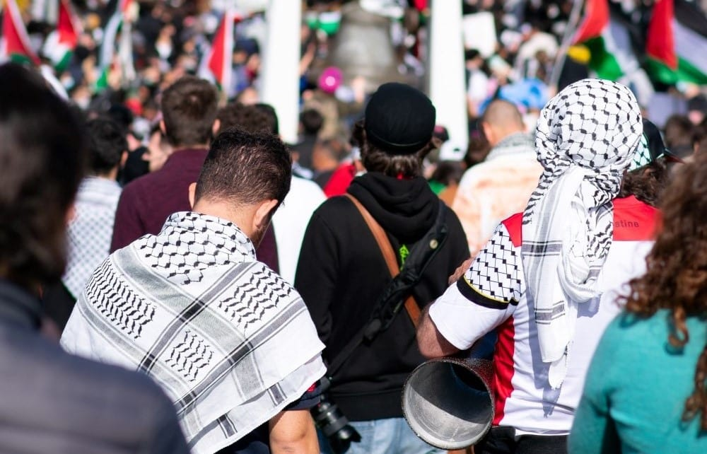 Jews in West Face New Era of Antisemitic Gang Violence 1